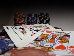 865400 poker_chips_and_cards
