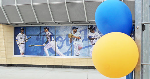 Opening Day 14 Baloons GE