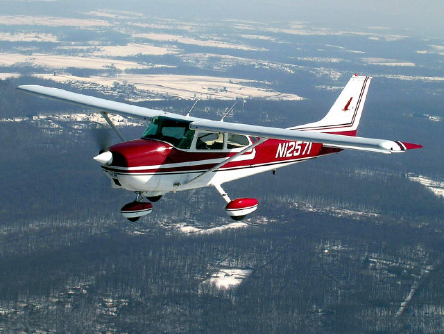 Cessna's 172 Skyhawk is the world's best-selling airplane of all time, with more than 44,000 sold since 1955.