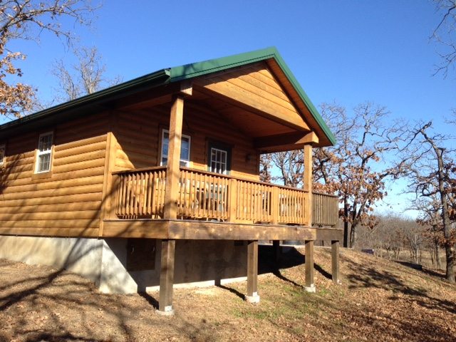 One of several cabins for rent at Cross Timbers State Park. (Photo by Rex Buchanan)