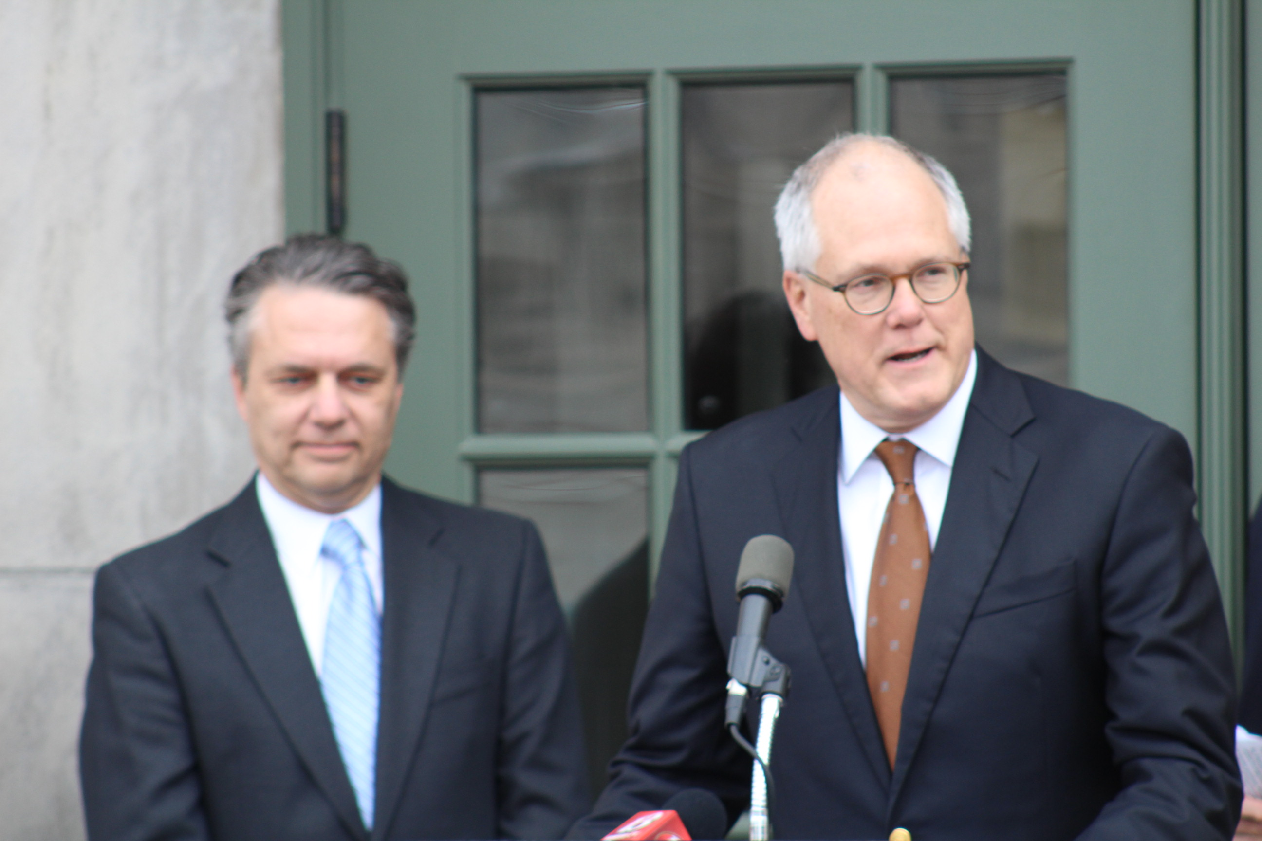 Lt. Governor Dr. Jeff Colyer (left) and CEO of the Kansas Health Institute (KHI) Dr. Bob St. Peter (right) at the dedication ceremony. (Photo by J. Schafer)
