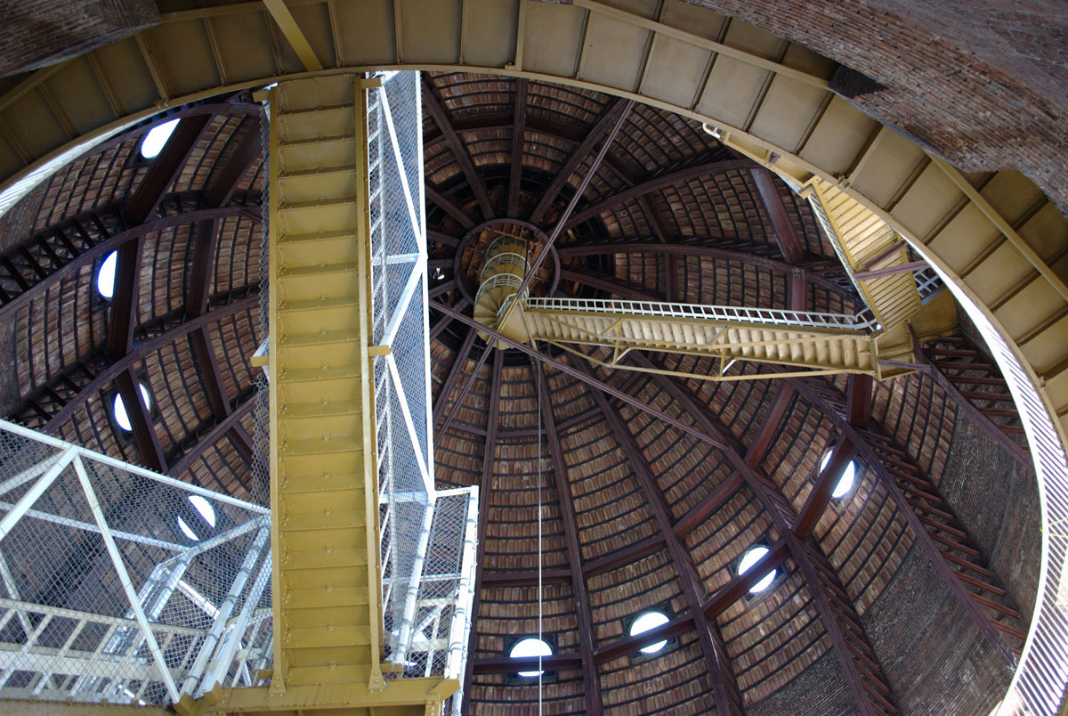 The tour's 296 steps to the top of the dome include a series of straight, steep, narrow, spiral, and irregularly spaced landings and stairs. (Flickr Photo by M. Stewart)