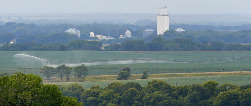 The trend toward bigger farms but fewer farmers is speeding the depopulation of small Kansas towns.(Photo by Chris Neal / Kansas News Service)