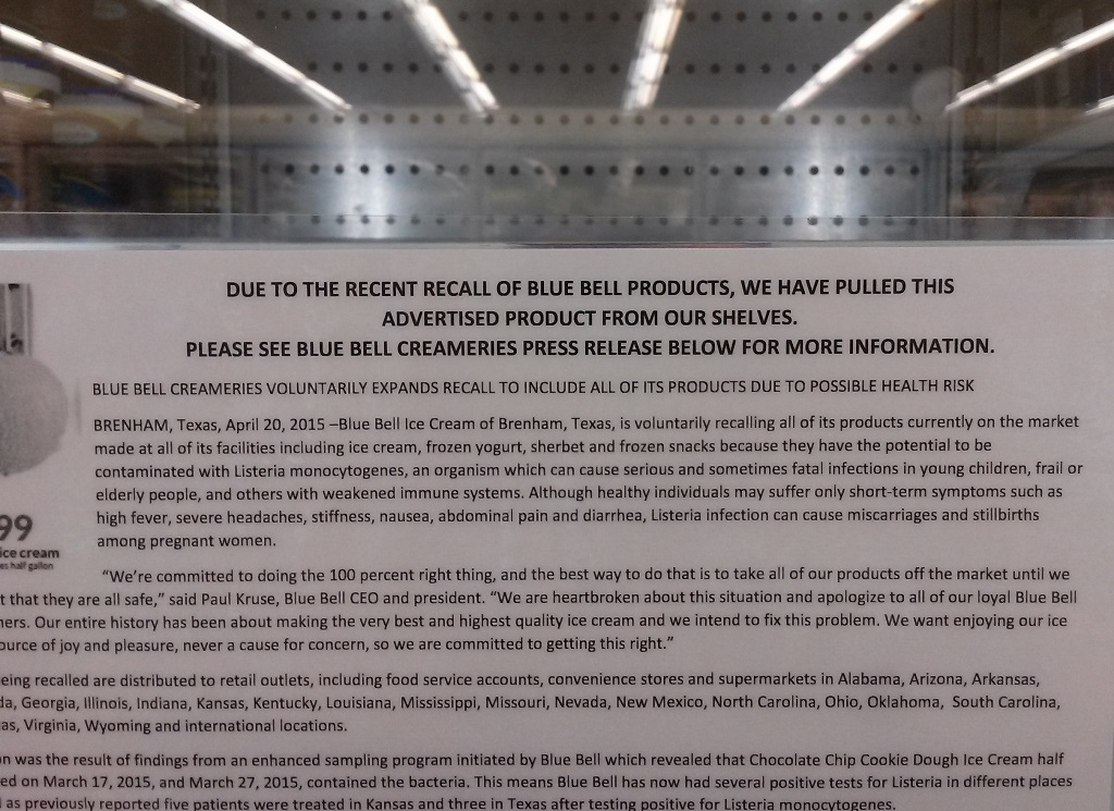 Notice of recall posted at 6th Street Hy-Vee grocery store, Lawrence, KS (Image credit: Laura Lorson)