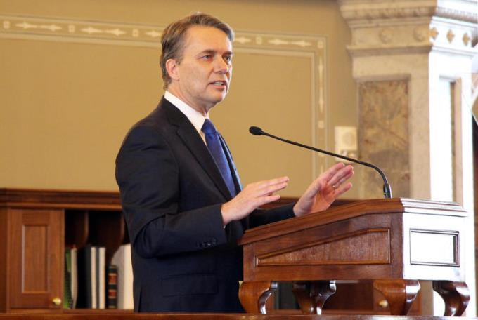 Kansas Governor Jeff Colyer delivers his first major speech in the Kansas House on Wednesday. (Photo Credit: Celia Llopis-Jepson)