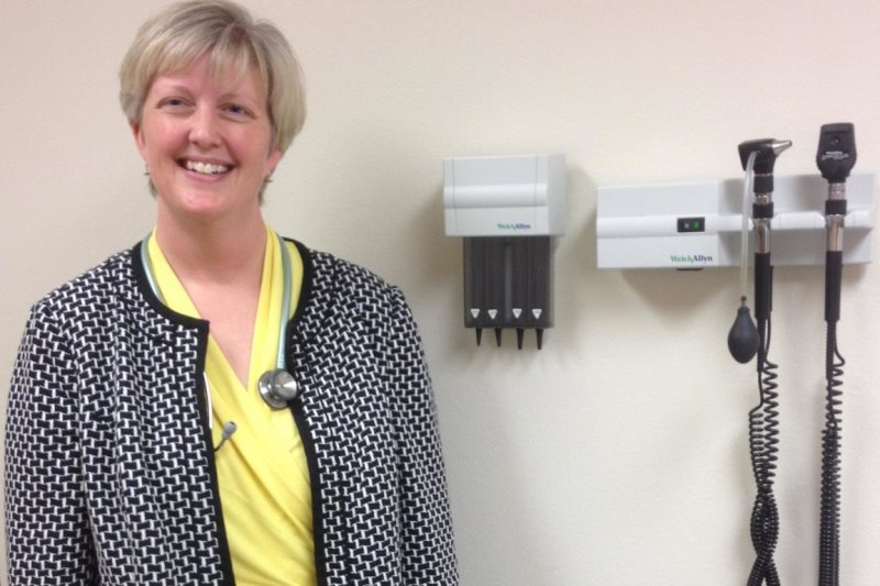 Dr. Jennifer Brull, in her clinic in Plainville, Kansas (photo by Bryan Thompson)