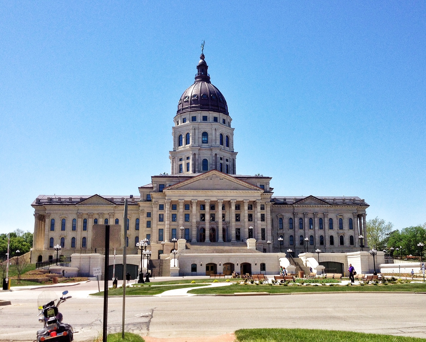 A sunny view of the Kansas Statehouse in Topeka. (Photo by J. Schafer)