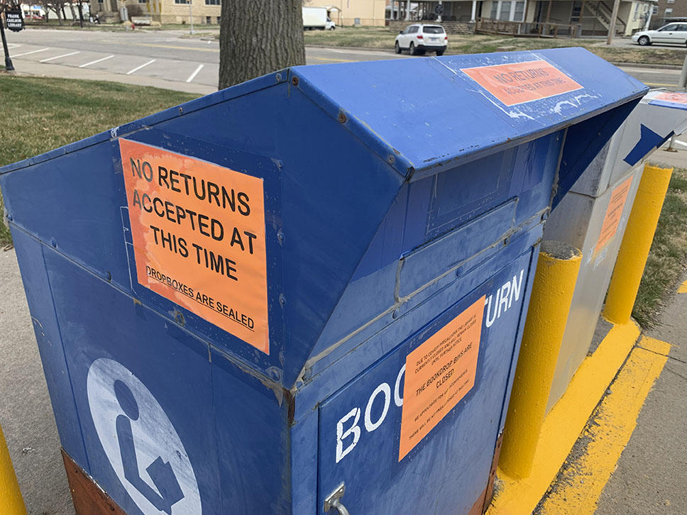 Kansas libraries are trying to do things differently after shutting their doors because of coronavirus. (Photo by Lindsay Hanson Metcalf for The Journal)