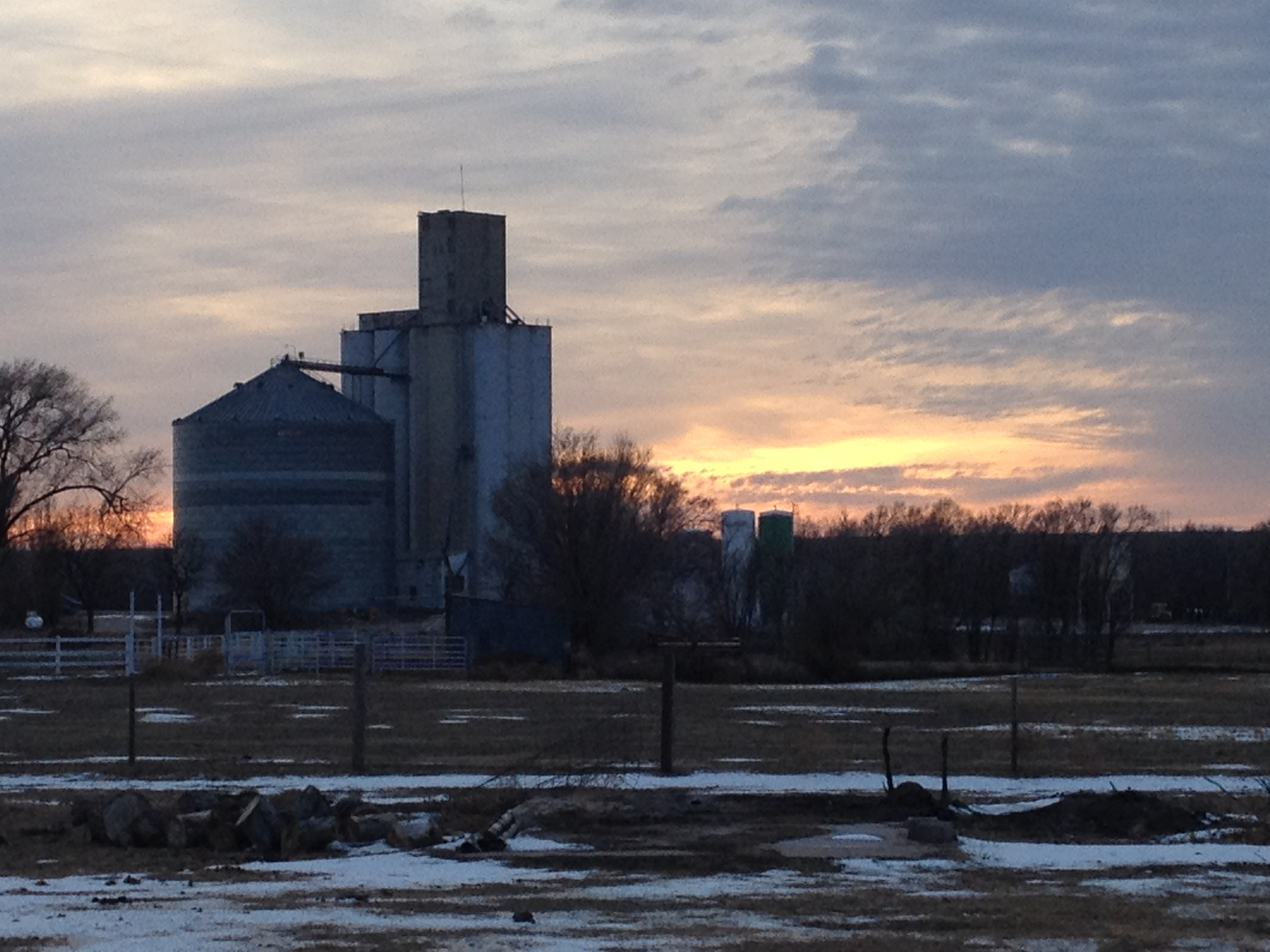 Grain elevator near Here, Kansas. (Photo by Barney Barnhill)