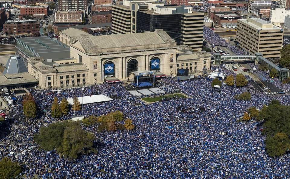 Royals fans gather near Union Station Tuesday, November 3, 2015, to celebrate World Series title with team. (Photo Credit: Kansas City Star)