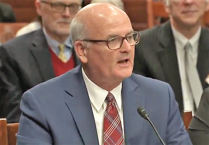 Witnesses, including Kansas Democratic Representative Jim Ward, told senators to avoid  repeating  the Kansas tax experiment at the national level.