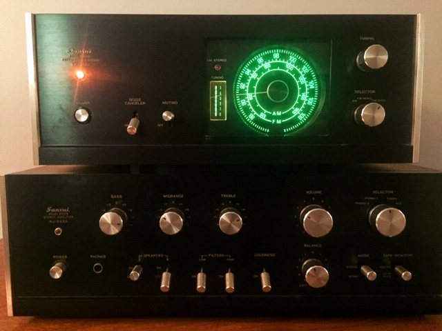 Vintage Sansui TU-666 receiver on top of an AU-555A amplifier, purchased at a previous Audio-Reader sale of vintage audio equipment. (Photo by J. Schafer)