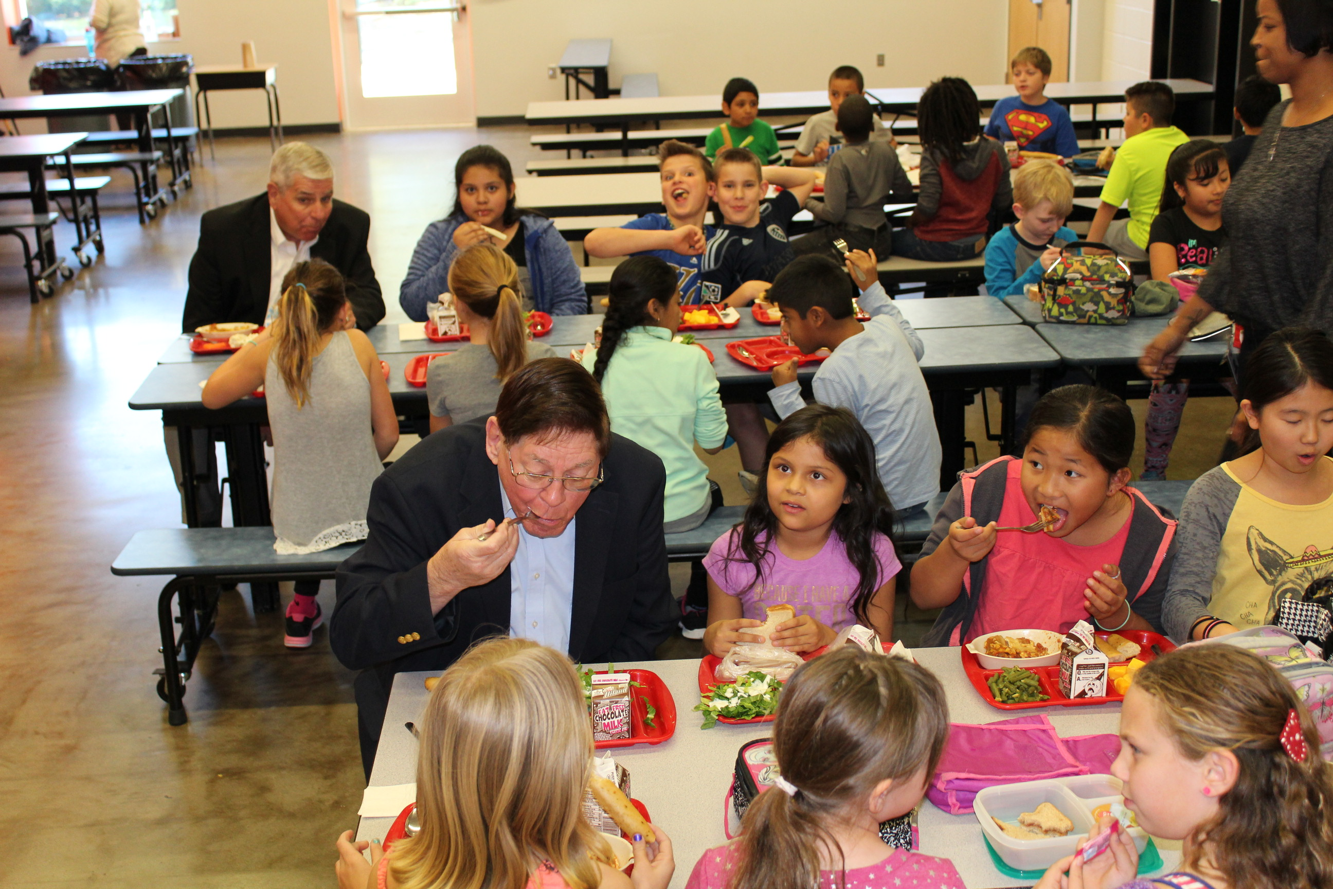 "The generals eat with a group of fourth grade students and, as the ""new kids in school,"" try to make friends.  (The generals ate lasagna - and liked it too!)"