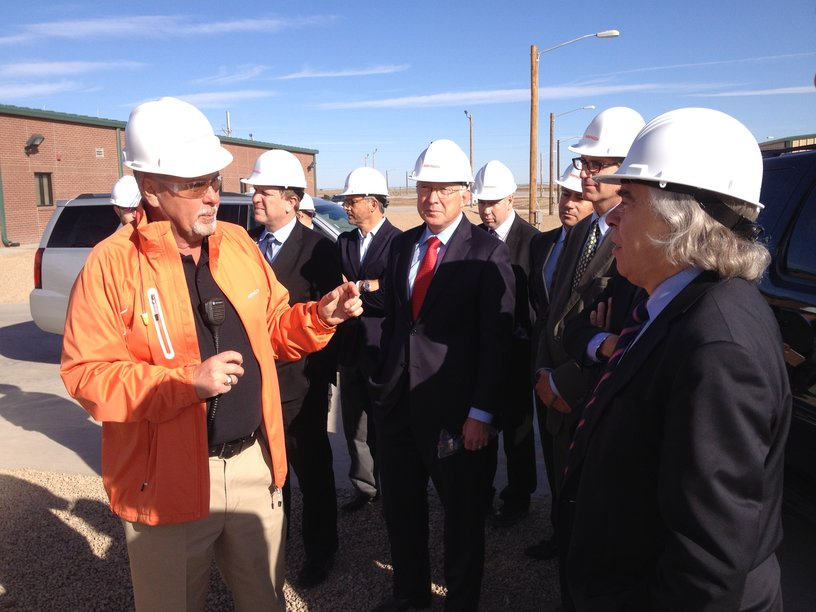 Plant Supervisor Danny Allison addresses U.S. Energy Secretary Ernest Moniz and other dignitaries.