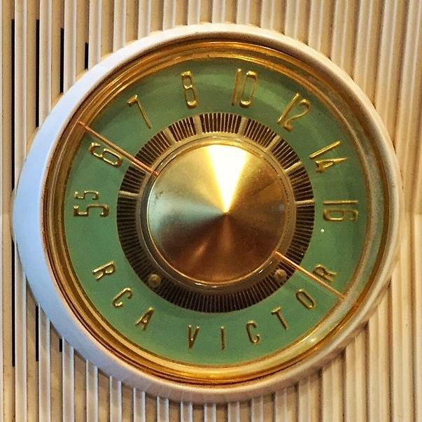 Rca radio dial (Photo by J. Schafer)