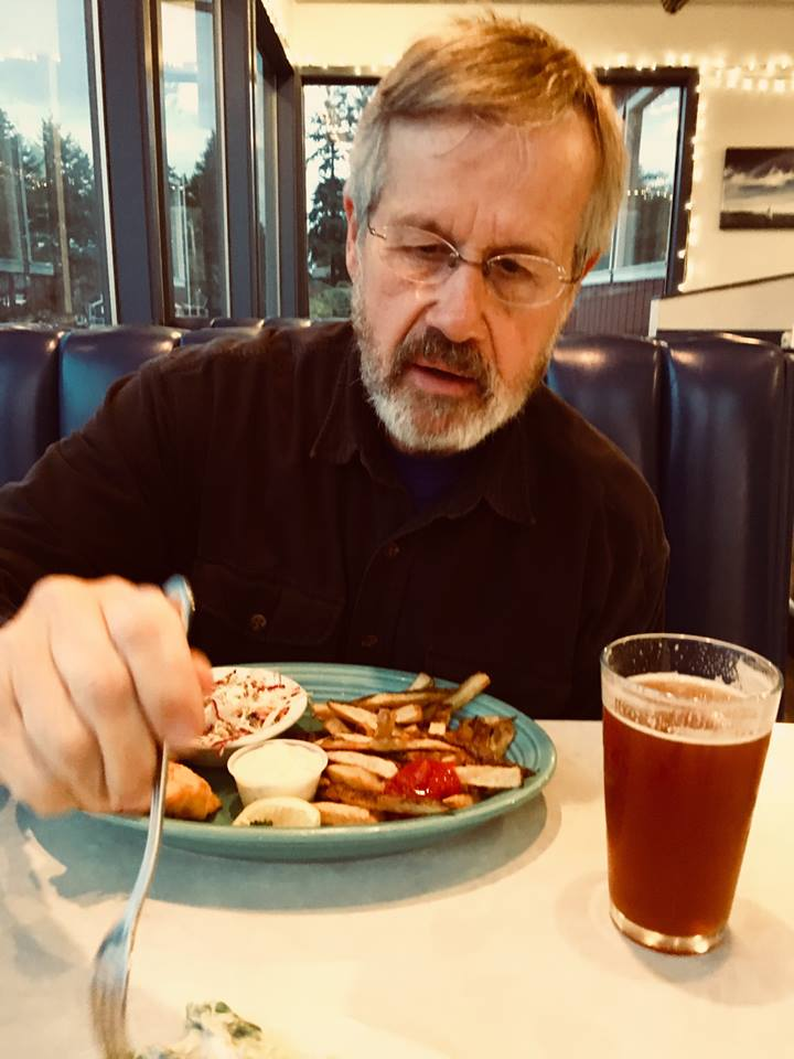Rex Buchanan enjoying a beer with his meal. (Photo by Mindy James)