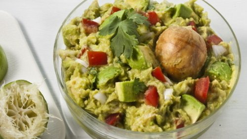 This is guacamole, the way we love it, not <em>The New York Times </em>recipe with fresh peas, about which the Twittersphere had something to say – a lot to say, actually.