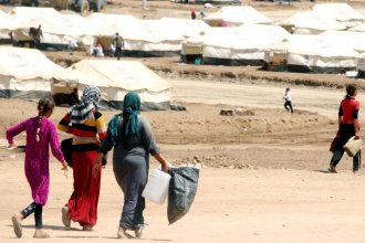 Many Yazidis, like the ones shown here, managed to flee the onslaught of the so-called Islamic State and made their way to relative safety, like this camp near the northern Iraqi border crossing of Zakho. However, some 5,000 Yazidis, many of them women, are still being held hostage by the Islamic State.