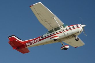 There are many variants of this Cessna aircraft, which is the world's best-selling personal aircraft.