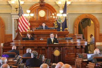 House lawmakers debate the budget. (Photo by Stephen Koranda)