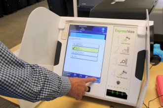A test of a voting machine in Topeka. (Photo by Stephen Koranda)
