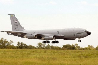 The U.S. Air Force Boeing KC-135E Stratotanker, assigned to the 117th Air Refueling Squadron, 190th Air Refueling Wing, lands following its final mission at the Forbes Field, Kansas on September 11, 2004. (Photo from Wikipedia)