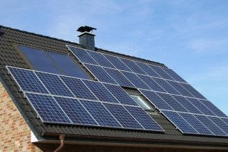 Solar panels on a house roof (Image credit: commons.wikimedia.org)