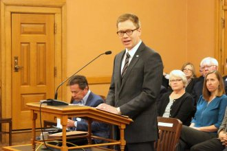 David Toland speaking to the Senate committee. (Photo by Stephen Koranda)