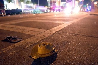 A cowboy hat lies in the street in Las Vegas. A country music festival ended in violence and chaos as thousands of people sought to escape from a man armed with an arsenal of automatic weapons. (Photo: David Becker, Getty Images)