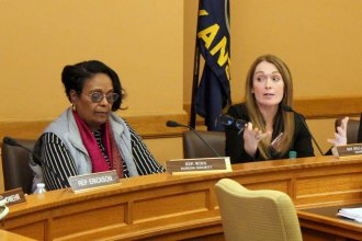 Rep. Kristey Williams (right) and Rep. Valdenia Winn at a committee meeting earlier this month. (Photo by Stephen Koranda)