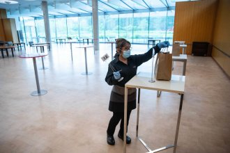 Janelia's cafeteria, which was noisy and crowded in pre-pandemic times, now operates a contactless takeout system.