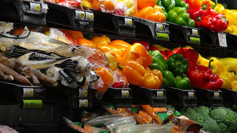 Group says state and local sales taxes are increasing grocery bills by up to 11 percent. (photo: Mike Sherry, Heartland Health Monitor)