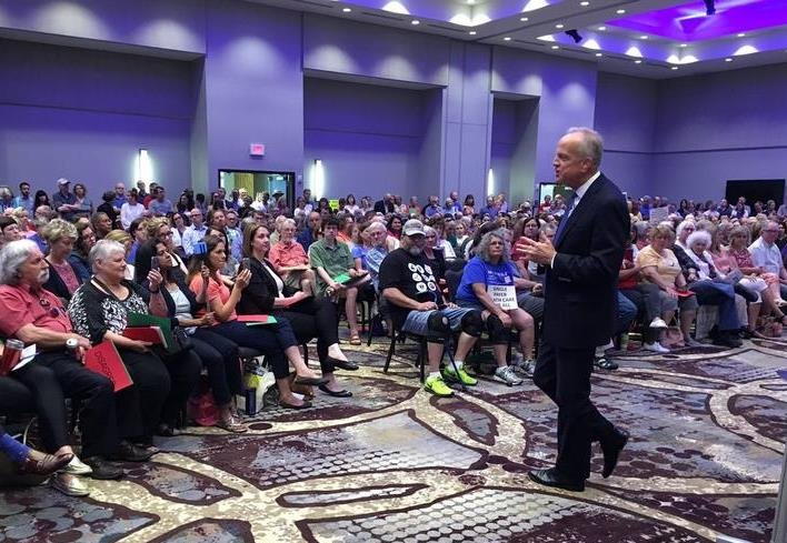 Senator Jerry Moran speaks to residents at a town hall in Lenexa Monday. (Photo: Frank Morris, KCUR)