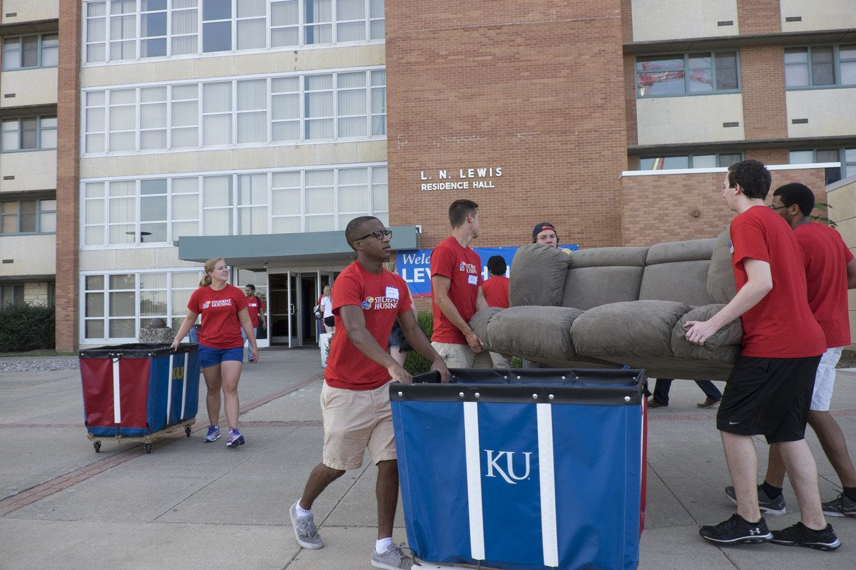 Move-in day 2014, outside Lewis Hall at the University of Kansas (Photo credit: KU Department of Student Housing)
