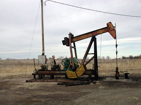Pumpjack, Lindsborg oil field (Photo by Kansas Geological Survey)