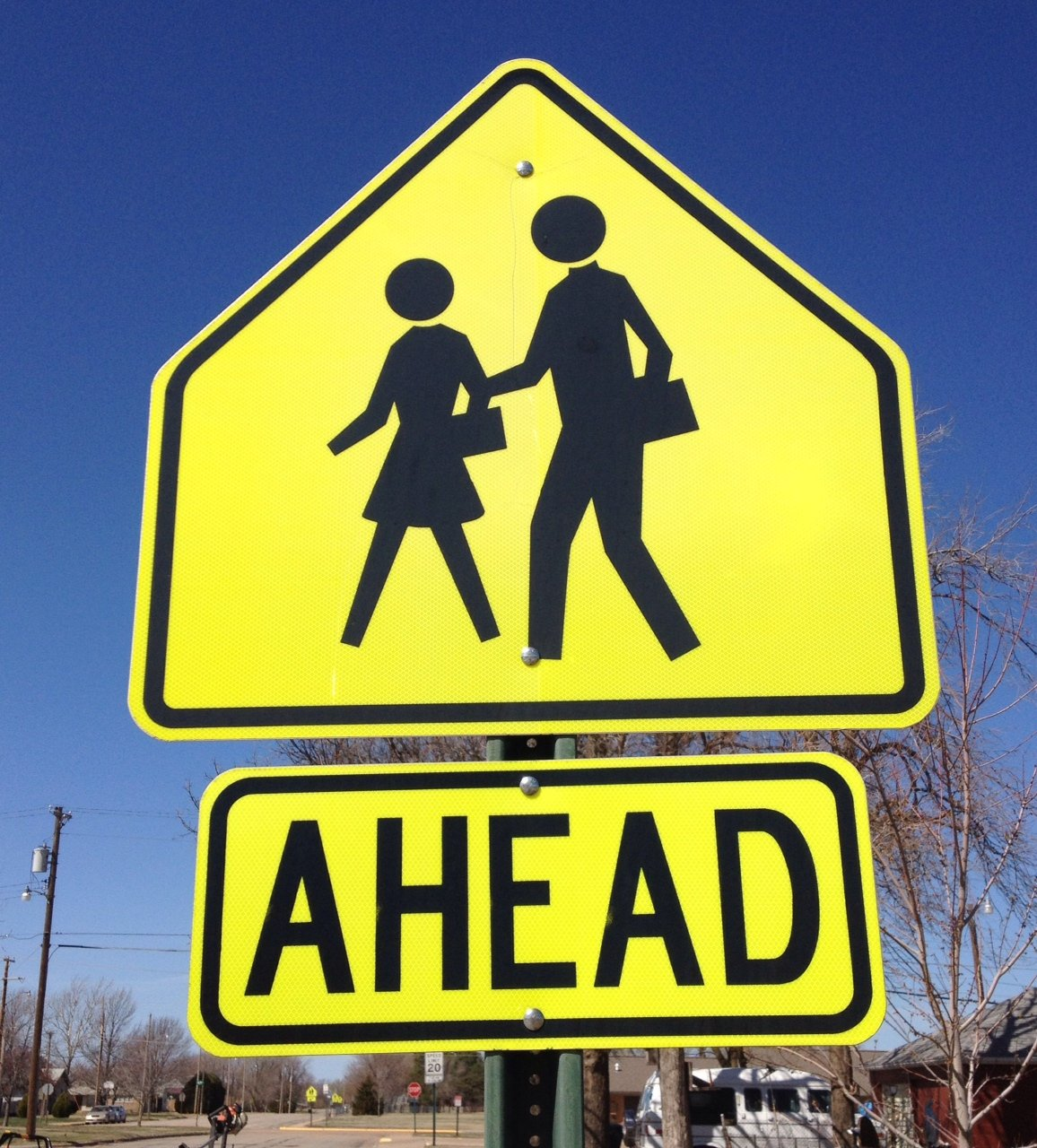 School crossing sign (Photo by J. Schafer)