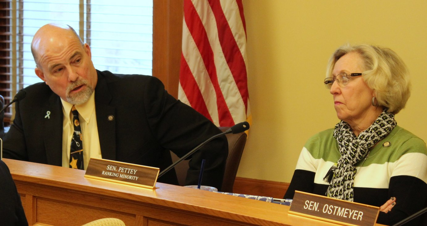Senator Greg Smith (left) and Senator Pat Pettey during the committee meeting. (Photo by Stephen Koranda)