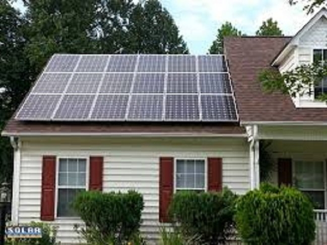 Westar Energy plans to levy an extra surcharge on customers who get some of their power from rooftop solar panels. (Photo credit: solarusa.org)