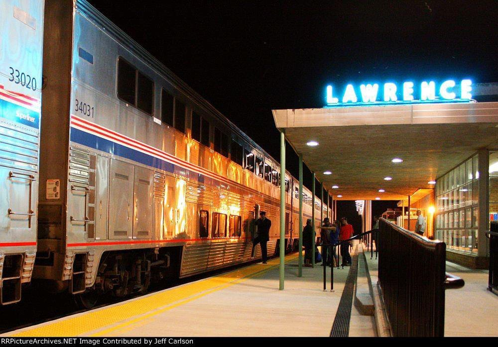 Amtrak's Southwest Chief stops in Lawrence. (Photo by Jeff Carlson / @DepotRedux)