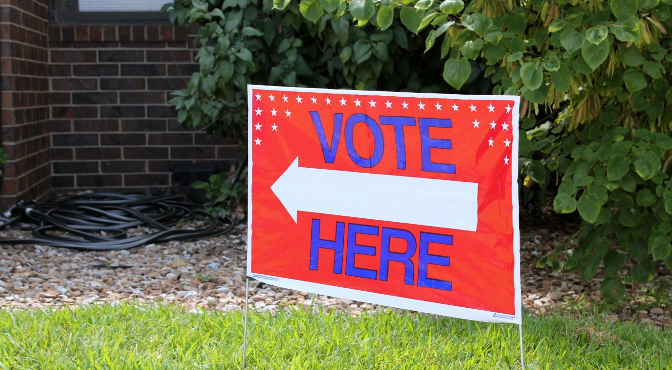 A sign at a polling place in Shawnee County. (Photo by Stephen Koranda)