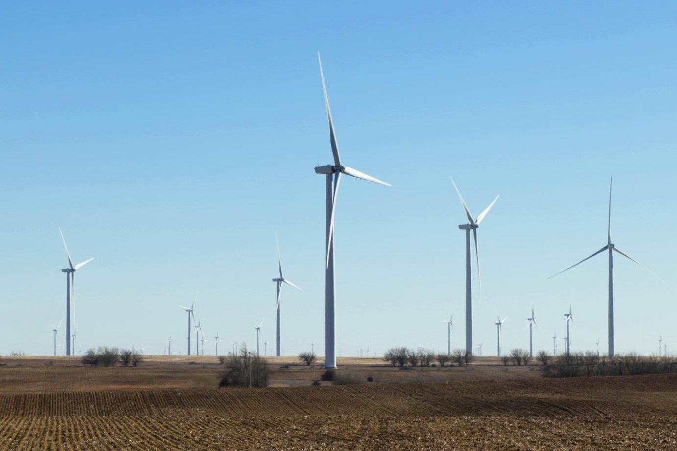 One of many wind farms that dot Kansas. (Photo by Brian Grimmett, Kansas News Service)