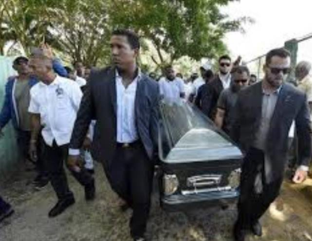 Royals players and managers joined others at Ventura's funeral in the Dominican Republic